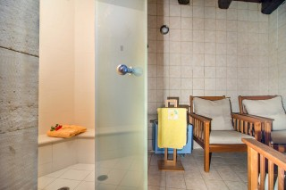 facilities-villas-steambath-sauna