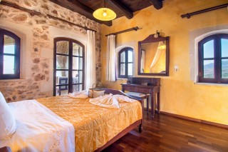 Malotira-spacious-room