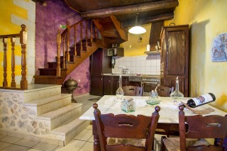 Malotira-kitchen-dinning-room
