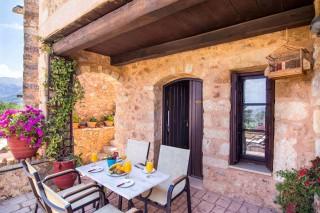 Mantzourana-home-veranda