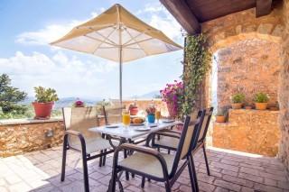 Mantzourana-veranda-balcony