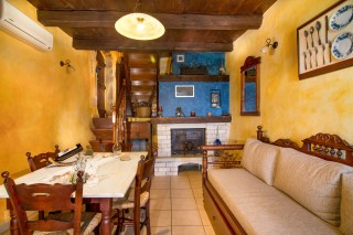 Mantzourana-living-room-10